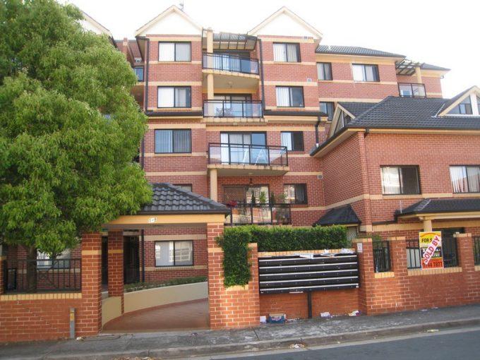 2 Weeks Free Rent! Convenience 2 bedroom apartment in Burwood